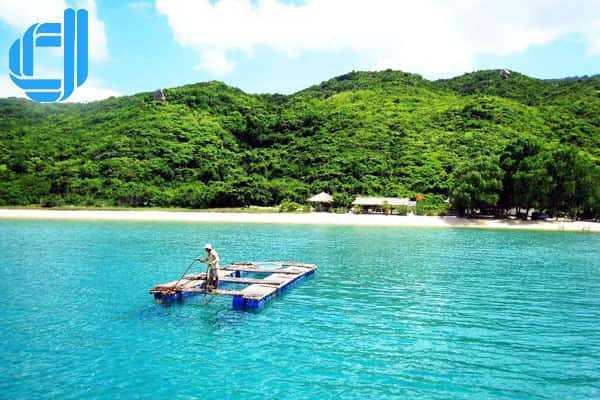 Tour du lịch khám phá Vịnh Vân Phong Nha Trang 1 ngày giá rẻ
